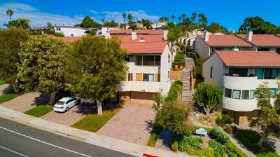 Carlsbad Condo/Townhouse For Sale: 7302 Alicante Rd #1