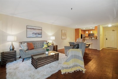 San Diego Condo/Townhouse For Sale: 5645 Friars Road #364