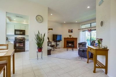 Carlsbad Condo/Townhouse For Sale: 2854 Andover