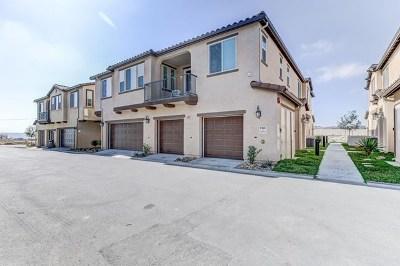 Chula Vista Condo/Townhouse For Sale: 1721 Santa Carolina Ave #1