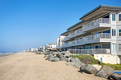 Imperial Beach Condo/Townhouse For Sale: 1320 Seacoast Drive Unit O #O