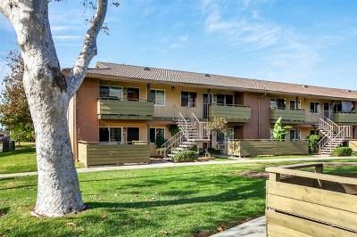 Escondido Condo/Townhouse For Sale: 2094 E Grand Ave #49
