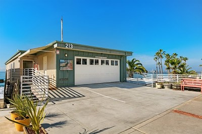 Oceanside Condo/Townhouse For Sale: 213 S Pacific #E,F