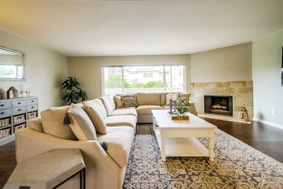 Carlsbad Condo/Townhouse For Sale: 7514 Jerez Ct. #A