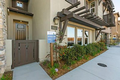 Carlsbad Condo/Townhouse For Sale: 3121 Nala Way