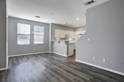 San Diego Condo/Townhouse For Sale: 4300 Newton Avenue #32