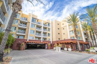 Woodland Hills Condo/Townhouse Active Under Contract: 21301 Erwin Street #203