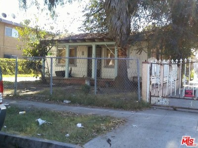 Compton Single Family Home For Sale: 322 W Almond Street
