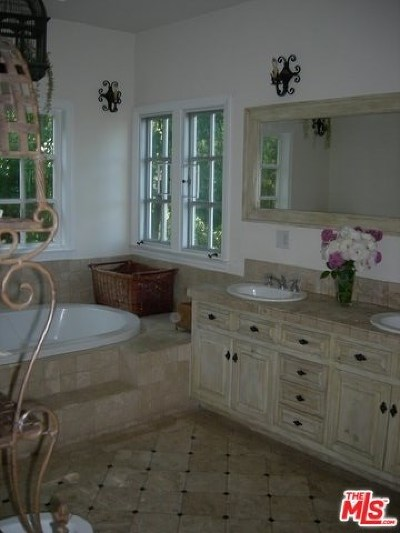 Studio City Single Family Home For Sale: 11519 Decente Drive