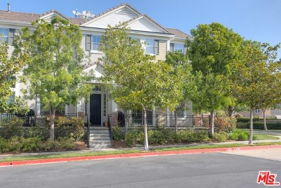 Valencia Condo/Townhouse For Sale: 23402 Brookdale Lane #56