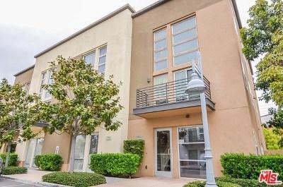 Gardena Condo/Townhouse For Sale: 1580 W Artesia Square #D