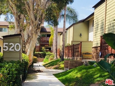 Redondo Beach Condo/Townhouse For Sale: 520 Avenue B #2