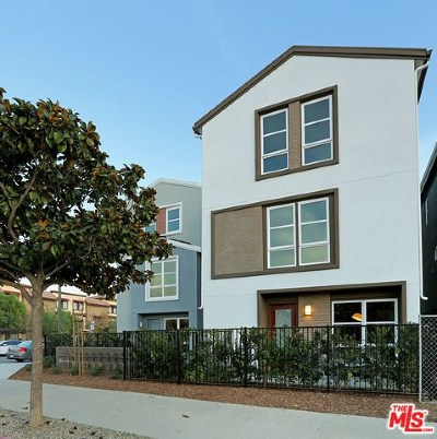 Los Angeles Condo/Townhouse For Sale: 2700 E Chaucer Street #46