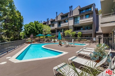 Sherman Oaks Condo/Townhouse For Sale: 13331 Moorpark Street #340