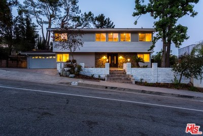 Glendale Single Family Home For Sale: 3203 Emerald Isle Drive