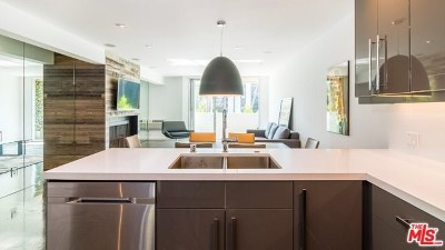 Los Angeles CA Condo/Townhouse For Sale: $715,000