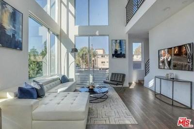Hollywood Single Family Home For Sale: 6021 N Beachwood Lane