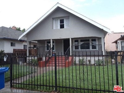 Los Angeles Multi Family Home For Sale: 361 W 47th Place
