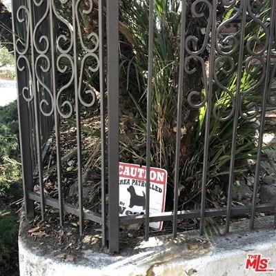 Los Angeles Single Family Home For Sale: 2500 Glendower Avenue