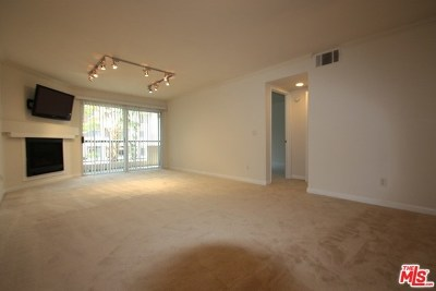 Woodland Hills Condo/Townhouse For Sale: 21520 Burbank #205
