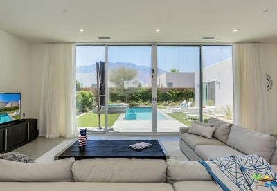 Palm Springs Single Family Home For Sale: 699 Equinox Way