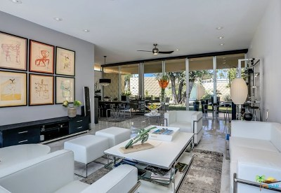 Palm Springs Condo/Townhouse For Sale: 385 Desert Lakes Drive