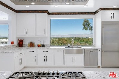 Studio City Single Family Home For Sale: 11699 Picturesque Drive