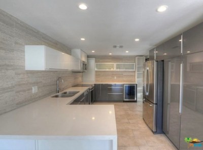 Palm Springs Condo/Townhouse For Sale: 6155 Driver Road