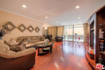 West Hollywood Condo/Townhouse Active Under Contract: 850 N Kings Road #207