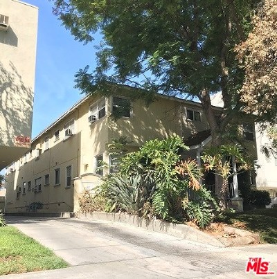 Valley Village Multi Family Home For Sale: 5323 Hermitage Avenue