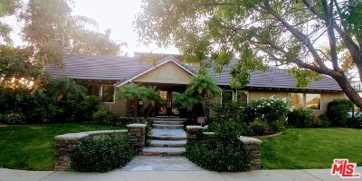 North Hills Single Family Home For Sale: 15700 Marilla Street