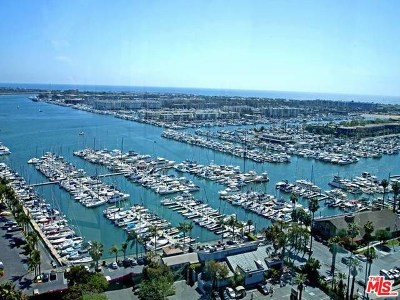 Venice Condo/Townhouse For Sale: 13700 Marina Pointe Drive #1819
