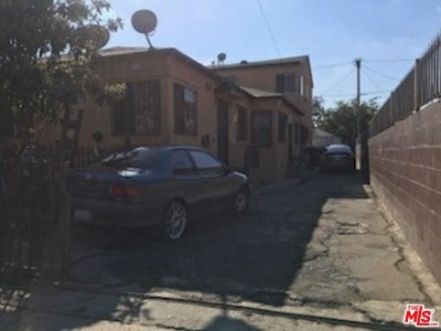 Los Angeles Multi Family Home For Sale: 136 E 28th Street