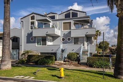 Oceanside Condo/Townhouse For Sale: 802 N Pacific St. #C