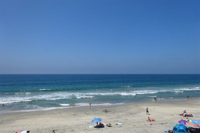 Carlsbad Condo/Townhouse For Sale: 2955 Ocean St #11