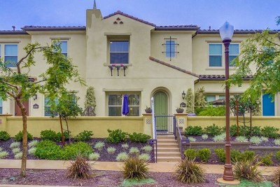 San Diego Condo/Townhouse For Sale: 15985 Parkview Loop