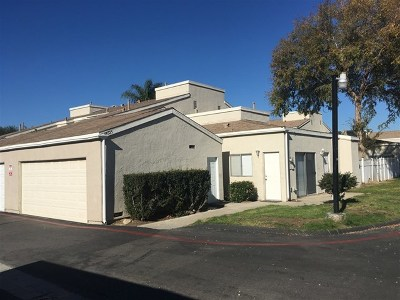 Temecula Condo/Townhouse For Sale: 44525 La Paz Rd