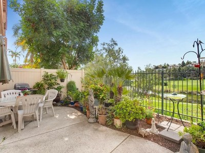 Carlsbad Condo/Townhouse For Sale: 6825 Adolphia Drive