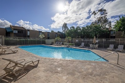 San Diego Condo/Townhouse For Sale: 3456 Castle Glen Dr #156