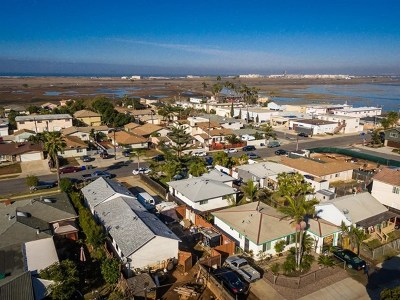Imperial Beach Multi Family Home For Sale: 439 Delaware