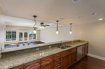 Carlsbad Condo/Townhouse For Sale: 1100 Las Flores Dr
