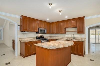 San Diego Single Family Home For Sale: 8832 Capricorn Way