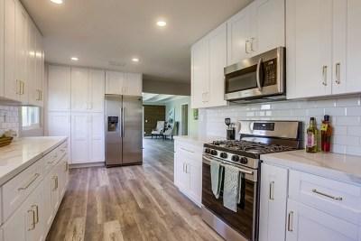 Oceanside Single Family Home For Sale: 2448 Sarbonne Dr