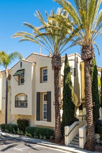 San Diego Condo/Townhouse For Sale: 3794 Mykonos Lane #40