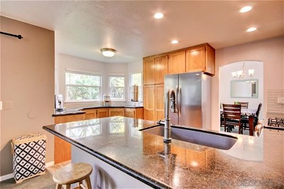 Santa Rosa Single Family Home For Sale: 140 Creek Way