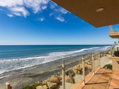Oceanside Condo/Townhouse For Sale: 1415 S Pacific #102