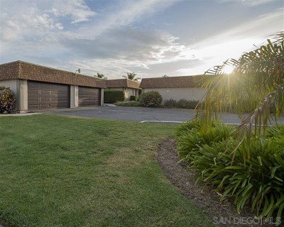 Oceanside Single Family Home For Sale: 206 Holiday Way