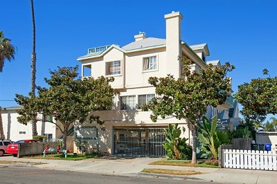 Imperial Beach Condo/Townhouse For Sale: 240 Dahlia Ave #D