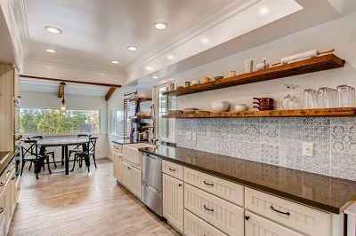 Carlsbad Single Family Home For Sale: 3303 Donna Drive
