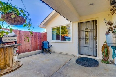 Lake Elsinore Single Family Home For Sale: 33202 Gillette